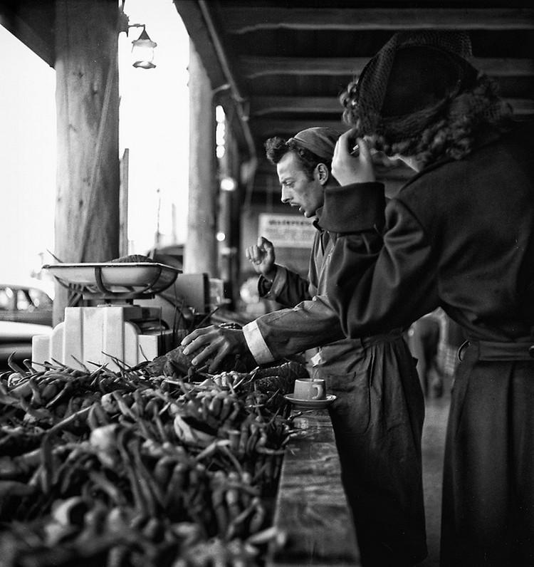 San-Frantsisko-ulichnye-fotografii-1940-50-godov-Freda-Liona 52