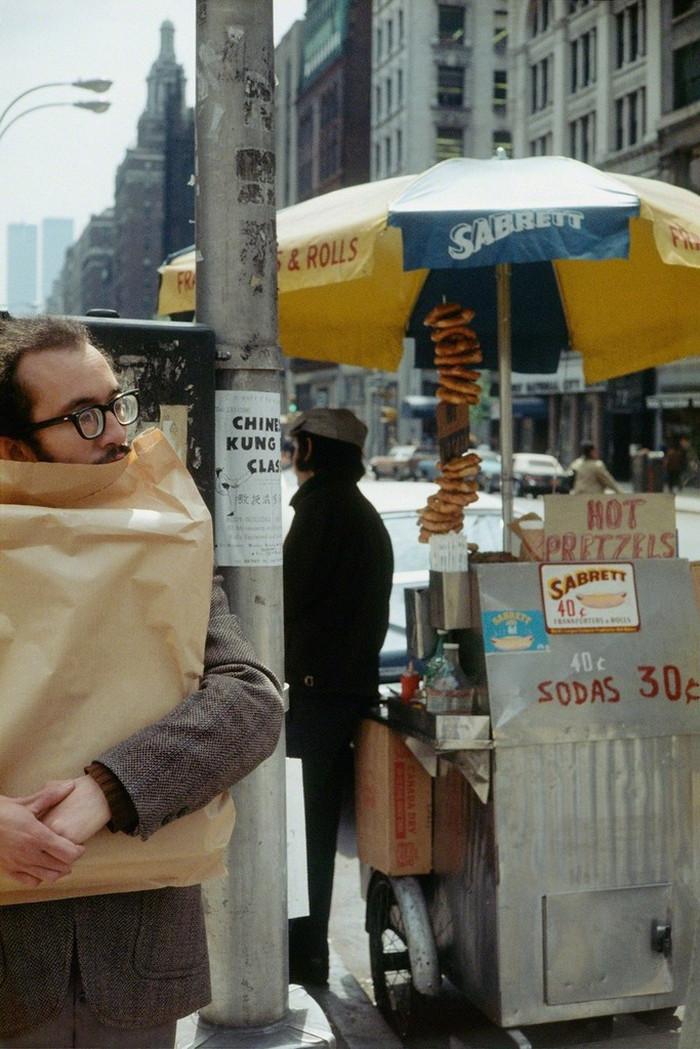 Уличная жизнь Нью-Йорка с 1930-х до 80-х годов в фотографиях Элен Левитт 24