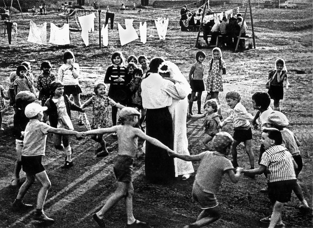 Люди и их чувства на снимках 1960-80-х годов казанского фотографа Рустама Мухаметзянова 25