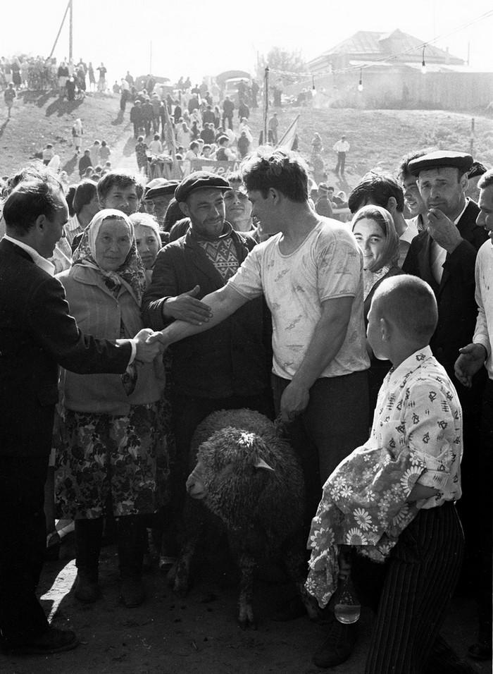 Люди и их чувства на снимках 1960-80-х годов казанского фотографа Рустама Мухаметзянова 33