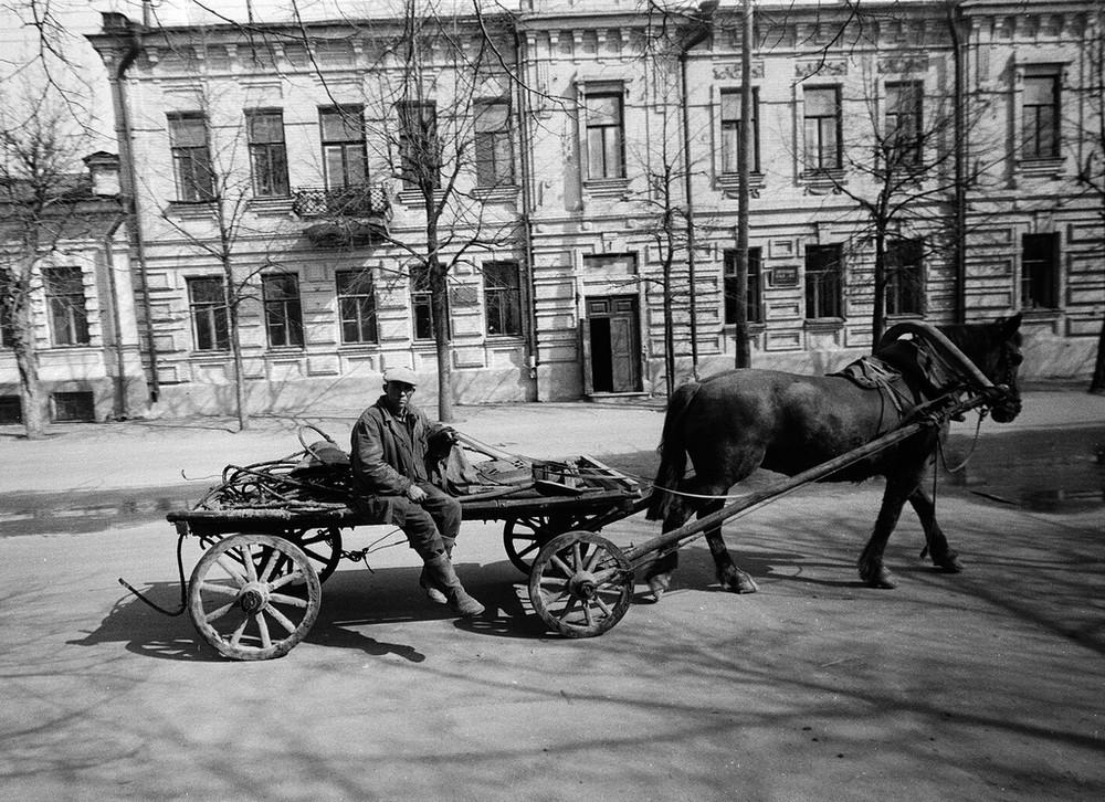 Люди и их чувства на снимках 1960-80-х годов казанского фотографа Рустама Мухаметзянова 7