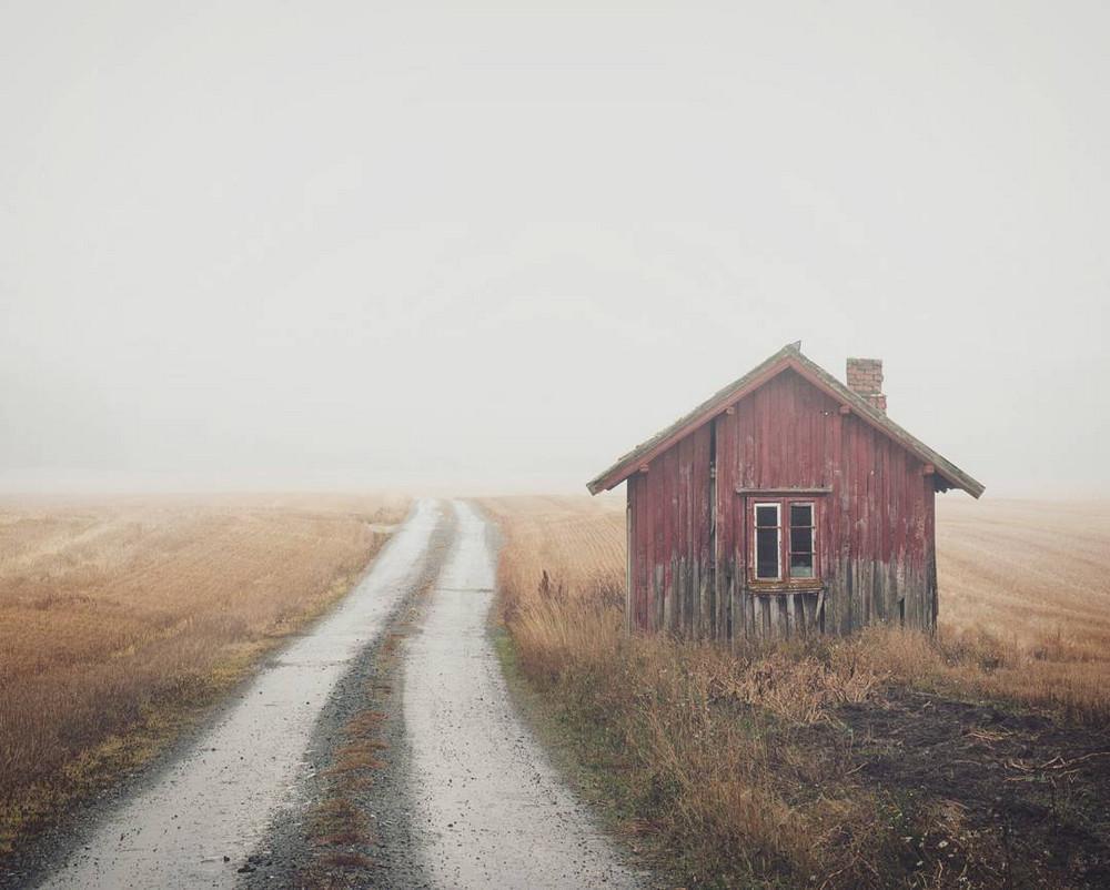 zabroshennye-udalennye-doma-za-severnym-polyarnym-krugom-fotograf-Britt-Mari-Bay 5