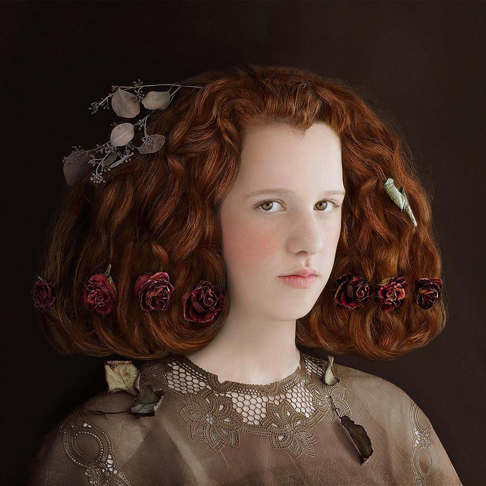 kostyumy-iz-vtorichnyh-materialov-portrety-Syuzanna-Yongmans 12