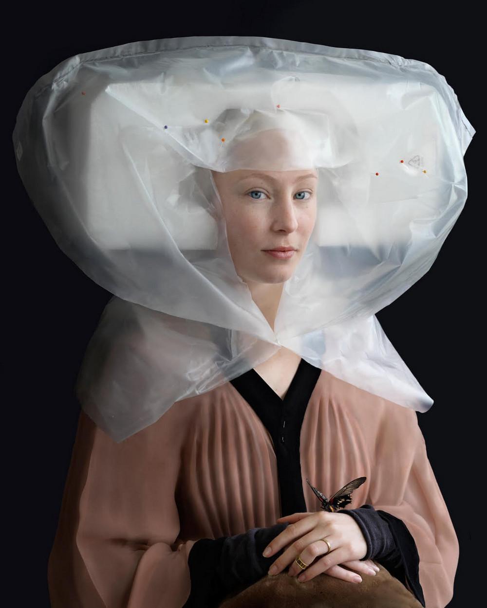 kostyumy-iz-vtorichnyh-materialov-portrety-Syuzanna-Yongmans 2