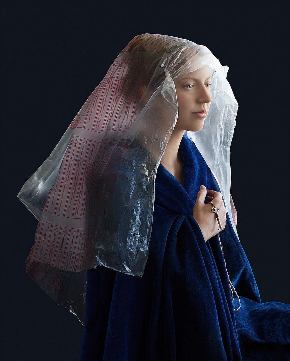 kostyumy-iz-vtorichnyh-materialov-portrety-Syuzanna-Yongmans 6