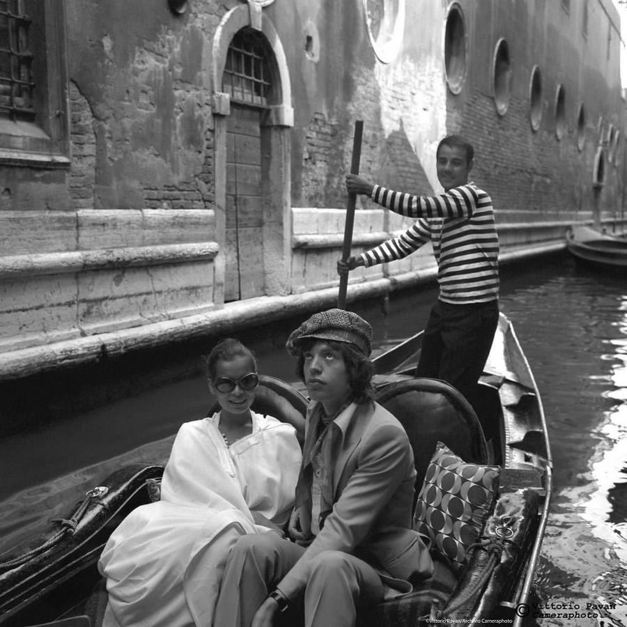 Редкие фотографии извесÑ'Ð½Ñ‹Ñ Ð»ÑŽÐ´ÐµÐ¹, отдыÑÐ°ÑŽÑ‰Ð¸Ñ Ð² Венеции в 1950-60-е годы 13