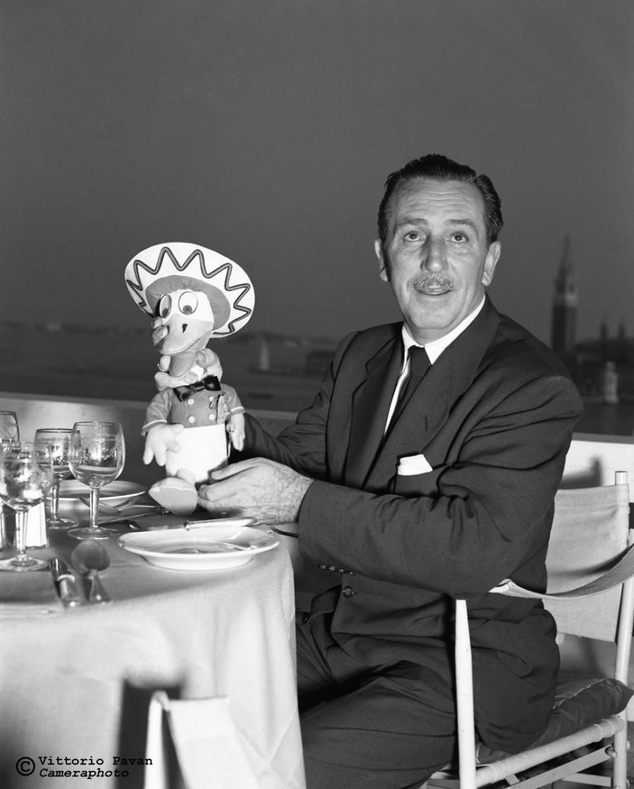Редкие фотографии извесÑ'Ð½Ñ‹Ñ Ð»ÑŽÐ´ÐµÐ¹, отдыÑÐ°ÑŽÑ‰Ð¸Ñ Ð² Венеции в 1950-60-е годы 15