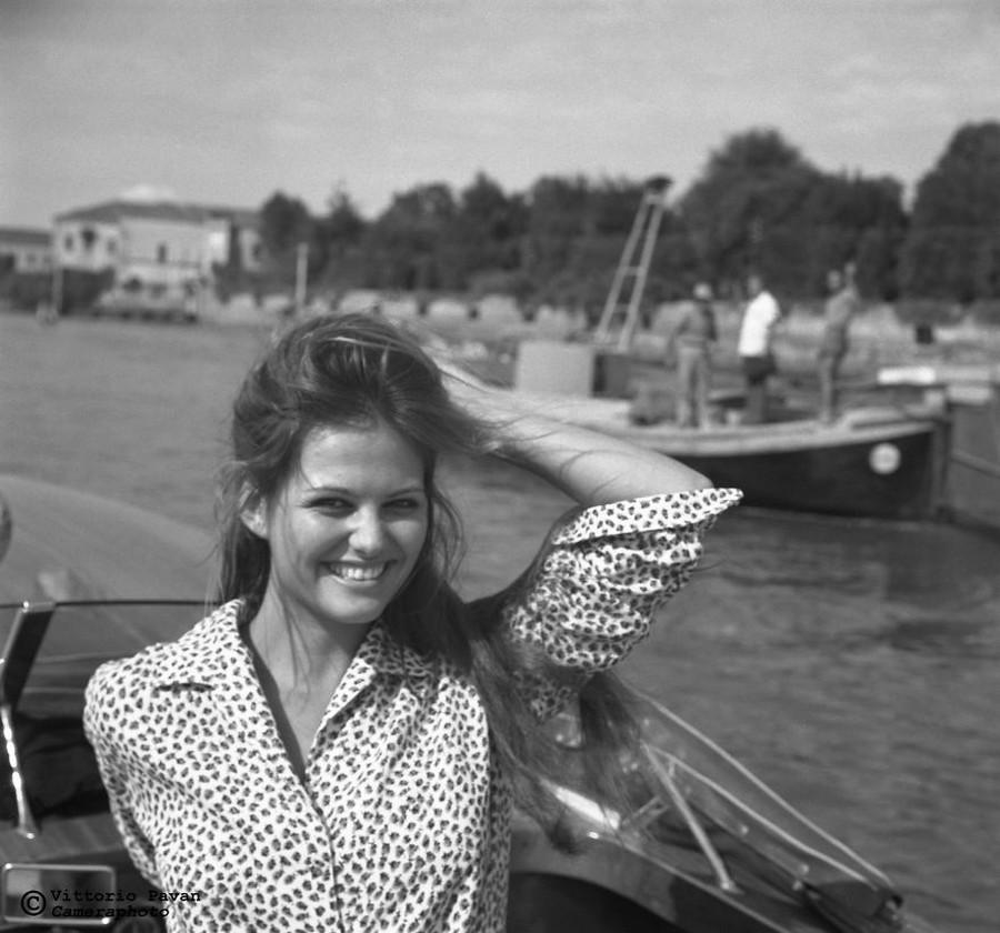 Редкие фотографии извесÑ'Ð½Ñ‹Ñ Ð»ÑŽÐ´ÐµÐ¹, отдыÑÐ°ÑŽÑ‰Ð¸Ñ Ð² Венеции в 1950-60-е годы 17