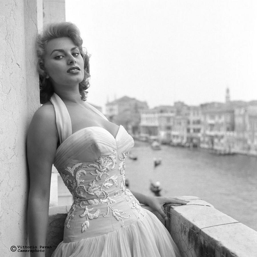 Редкие фотографии извесÑ'Ð½Ñ‹Ñ Ð»ÑŽÐ´ÐµÐ¹, отдыÑÐ°ÑŽÑ‰Ð¸Ñ Ð² Венеции в 1950-60-е годы 2