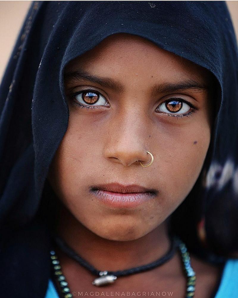 ulichnye-portrety-iz-Indii-fotograf-Magdalena-Bagryanov 10