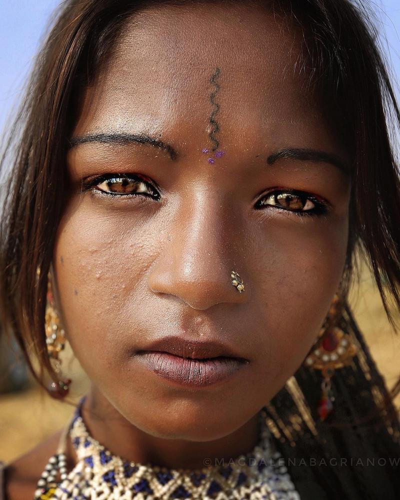 ulichnye-portrety-iz-Indii-fotograf-Magdalena-Bagryanov 11