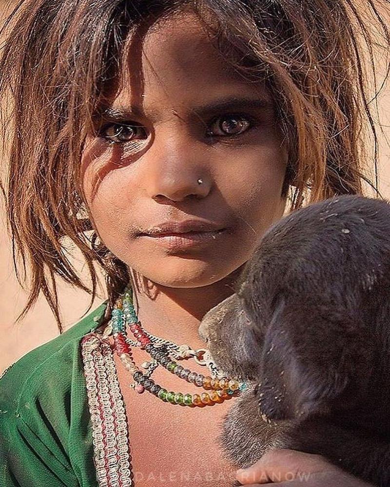 ulichnye-portrety-iz-Indii-fotograf-Magdalena-Bagryanov 14