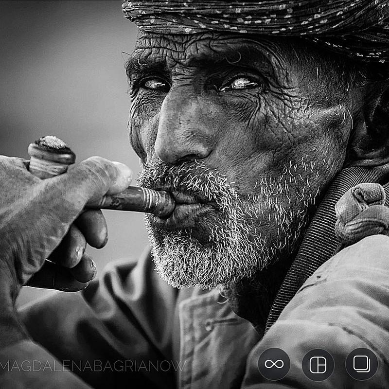 ulichnye-portrety-iz-Indii-fotograf-Magdalena-Bagryanov 17