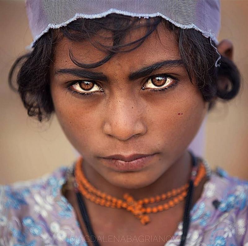 ulichnye-portrety-iz-Indii-fotograf-Magdalena-Bagryanov 19