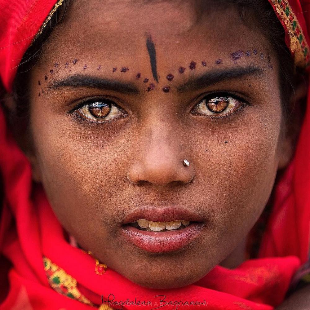 ulichnye-portrety-iz-Indii-fotograf-Magdalena-Bagryanov 2