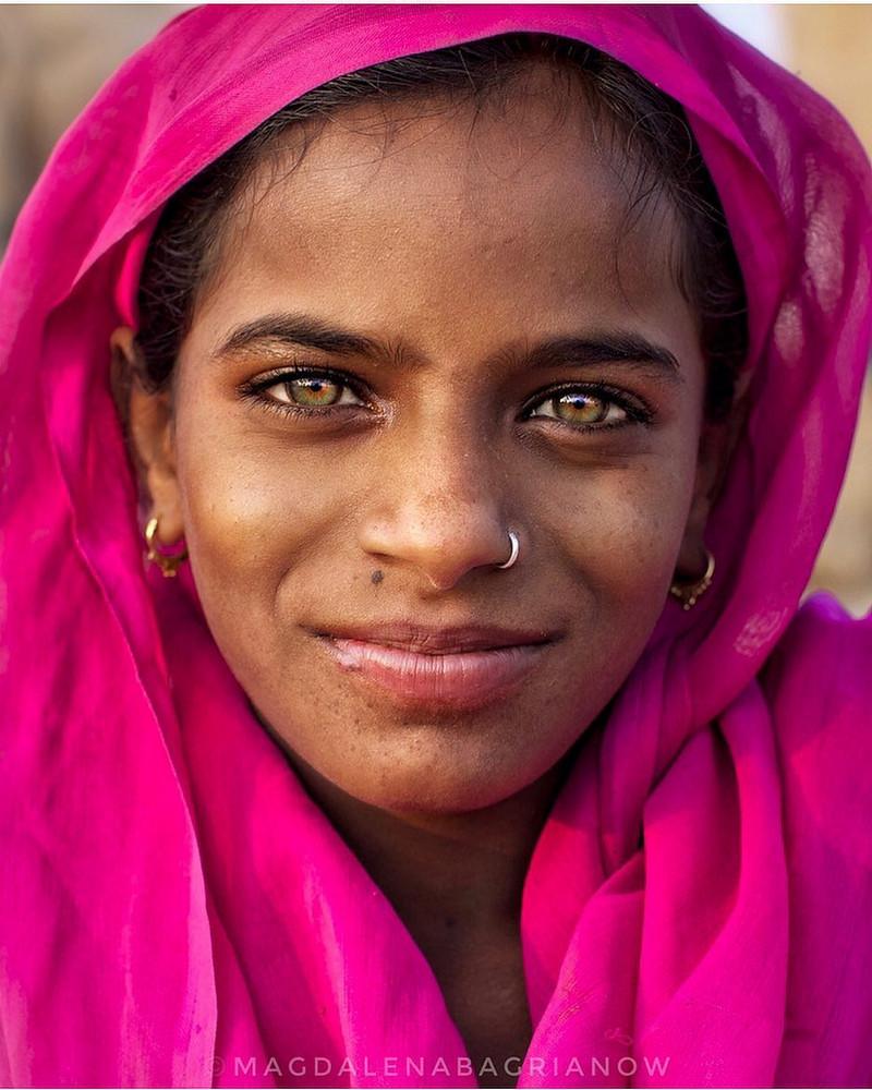 ulichnye-portrety-iz-Indii-fotograf-Magdalena-Bagryanov 32