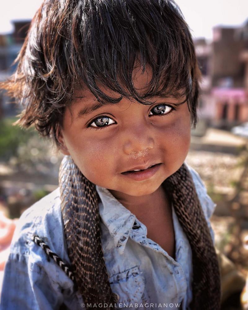 ulichnye-portrety-iz-Indii-fotograf-Magdalena-Bagryanov 35