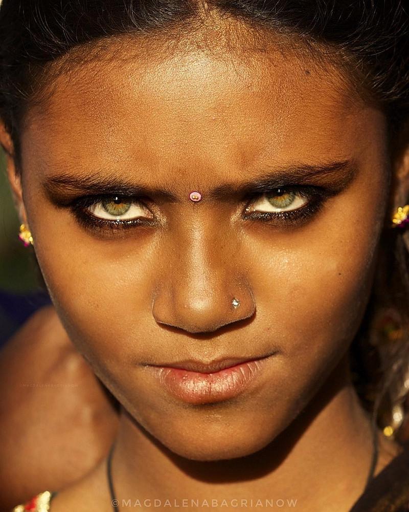 ulichnye-portrety-iz-Indii-fotograf-Magdalena-Bagryanov 37