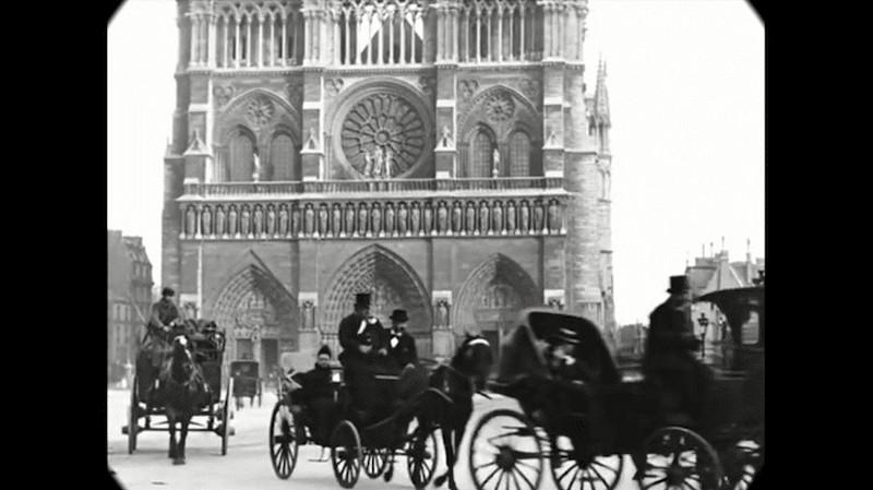 Синематограф братьев Люмьер. Променад по Парижу конца XIX века1