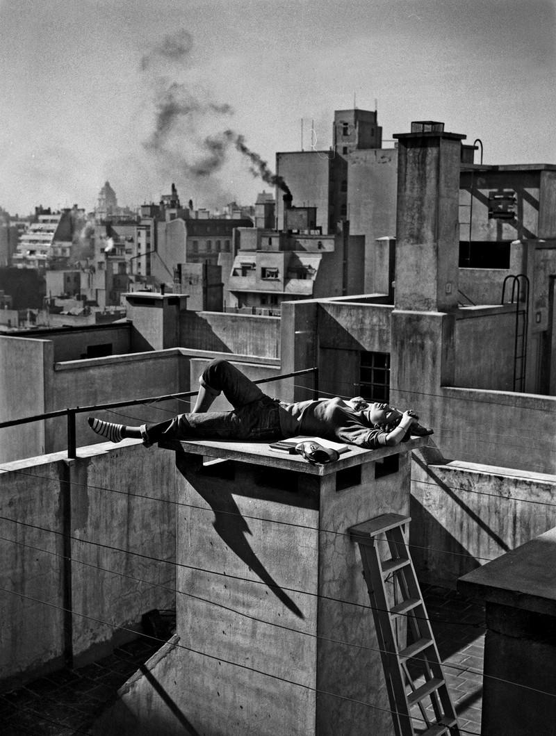 Тело, свет, отражение. Легенда аргентинской фотографии Аннемари Генрих 31
