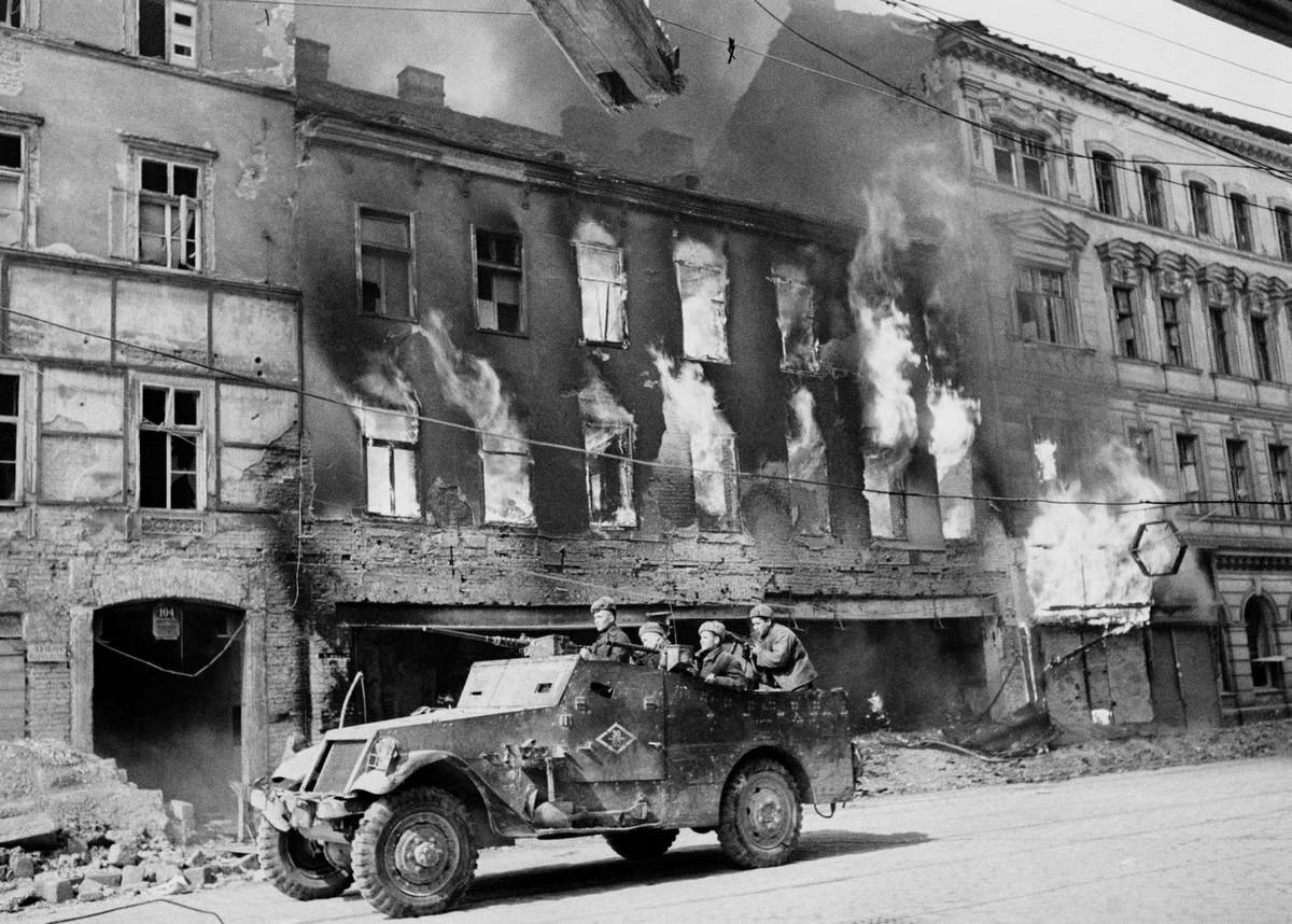 фронт и тыл Великой Отечественной на снимках советских военных фотографов haldey 1200 11