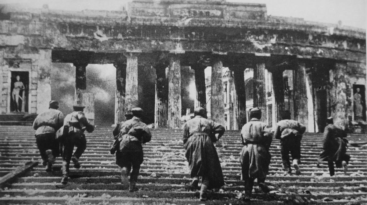 фронт и тыл Великой Отечественной на снимках советских военных фотографов haldey 1200 6
