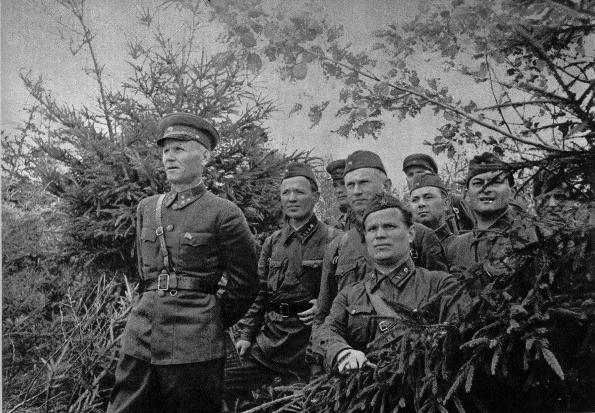 фронт и тыл Великой Отечественной на снимках советских военных фотографов petrusov 1200