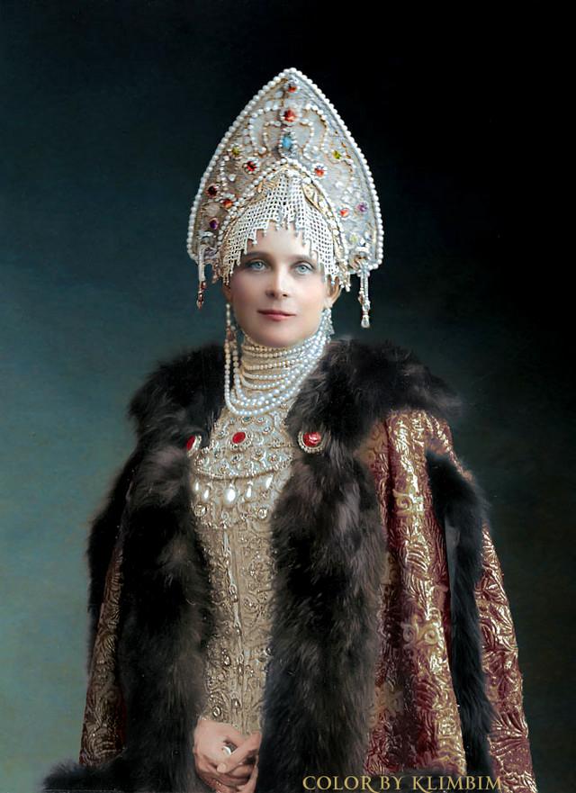 Великолепие костюмированного бала Романовых в раскрашенных фотографиях 1903 года 1