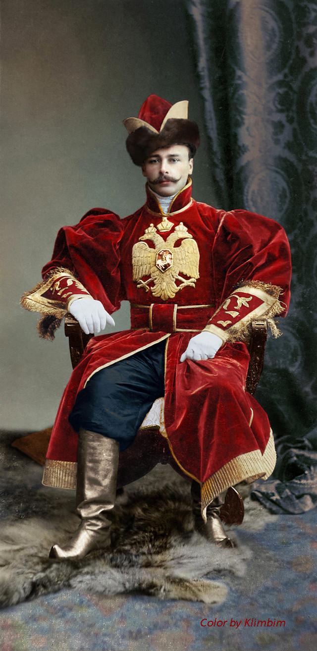 Великолепие костюмированного бала Романовых в раскрашенных фотографиях 1903 года 11