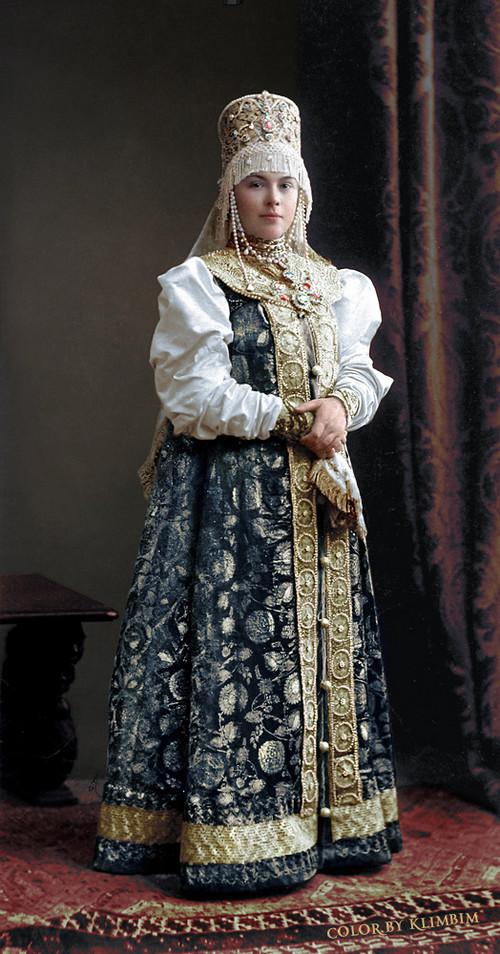 Великолепие костюмированного бала Романовых в раскрашенных фотографиях 1903 года 26