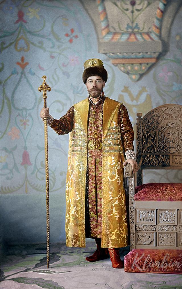 Великолепие костюмированного бала Романовых в раскрашенных фотографиях 1903 года 8