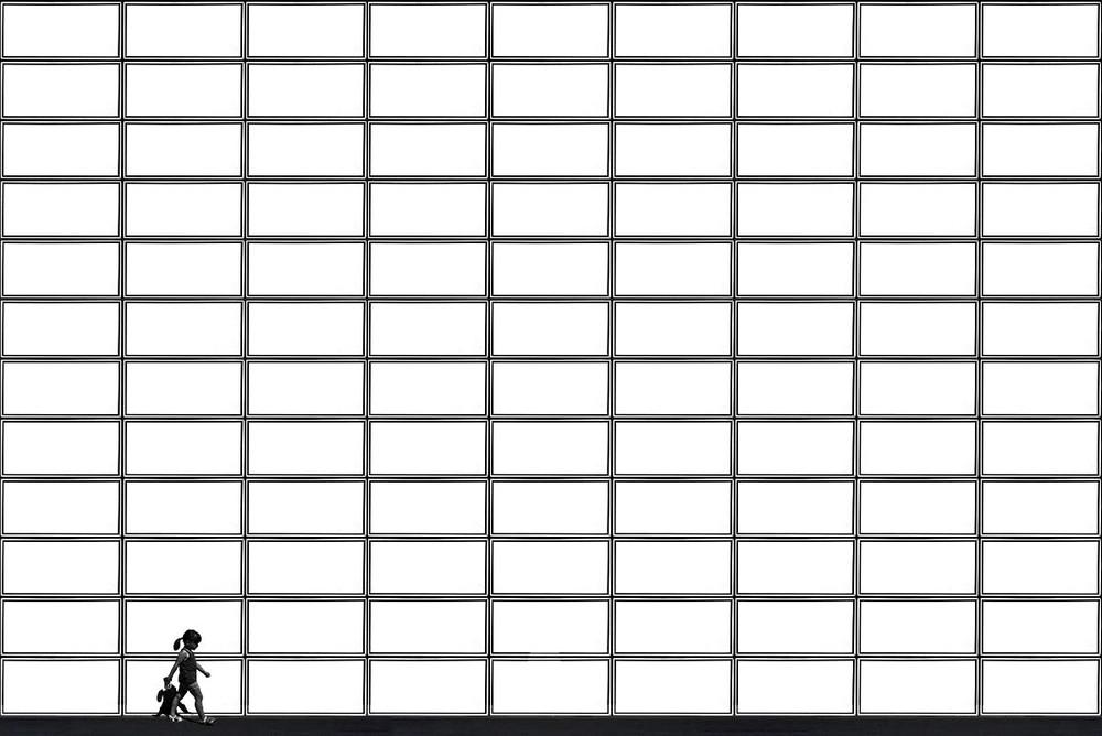 Свет, тени и силуэты: магия чёрно-белой уличной фотографии Гая Коэна 45