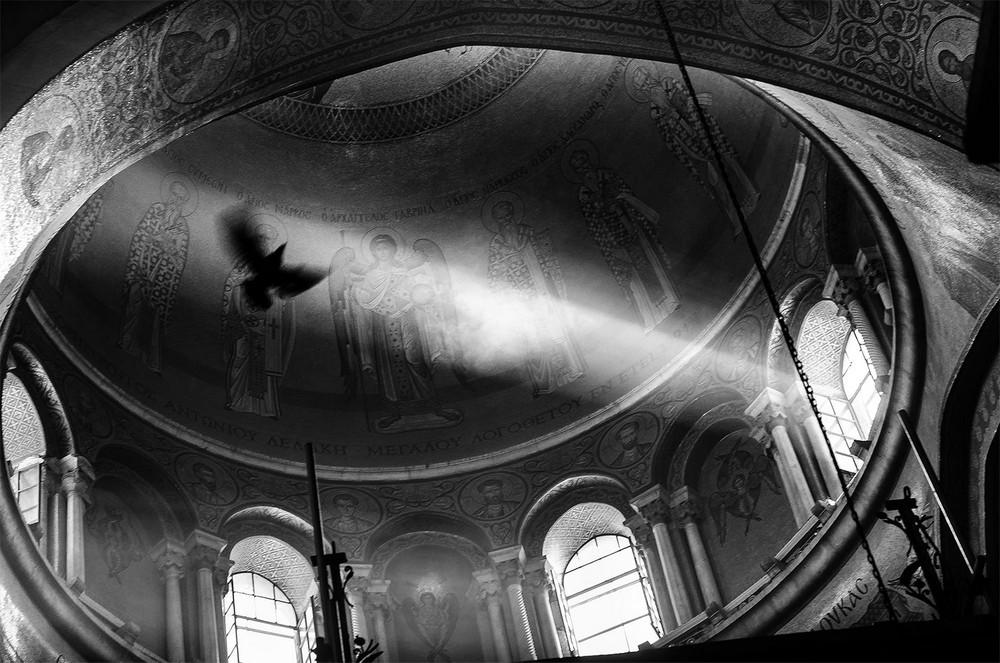 Свет, тени и силуэты: магия чёрно-белой уличной фотографии Гая Коэна 55