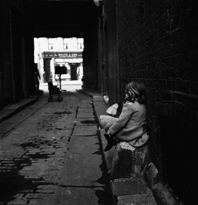 Британский фотожурналист Терстон Хопкинс 19
