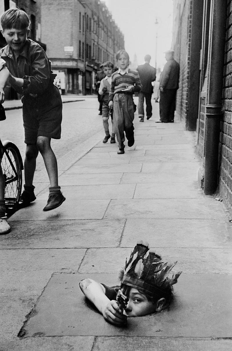 Британский фотожурналист Терстон Хопкинс 24