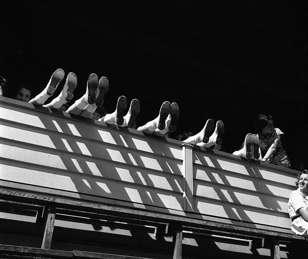 Британский фотожурналист Терстон Хопкинс 27