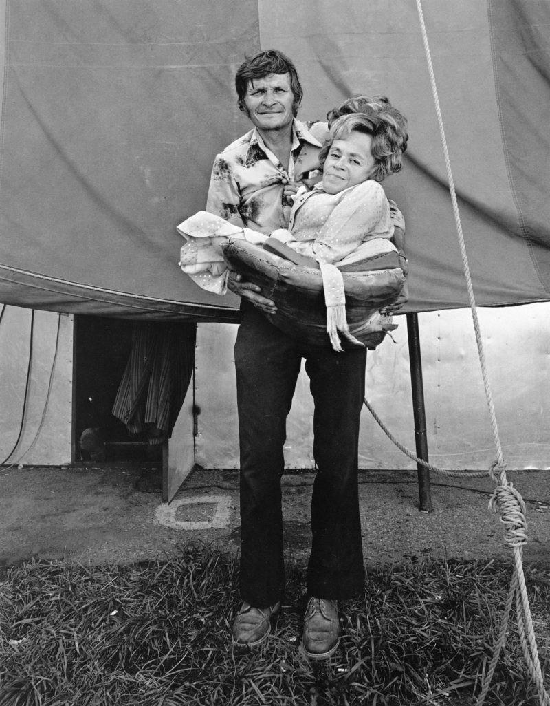 Американская история ужасов: реальные бродячие цирки в документальном фотопроекте Рэндала Левенсона 1971-81гг 22