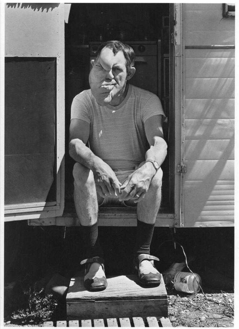 Американская история ужасов: реальные бродячие цирки в документальном фотопроекте Рэндала Левенсона 1971-81гг 23