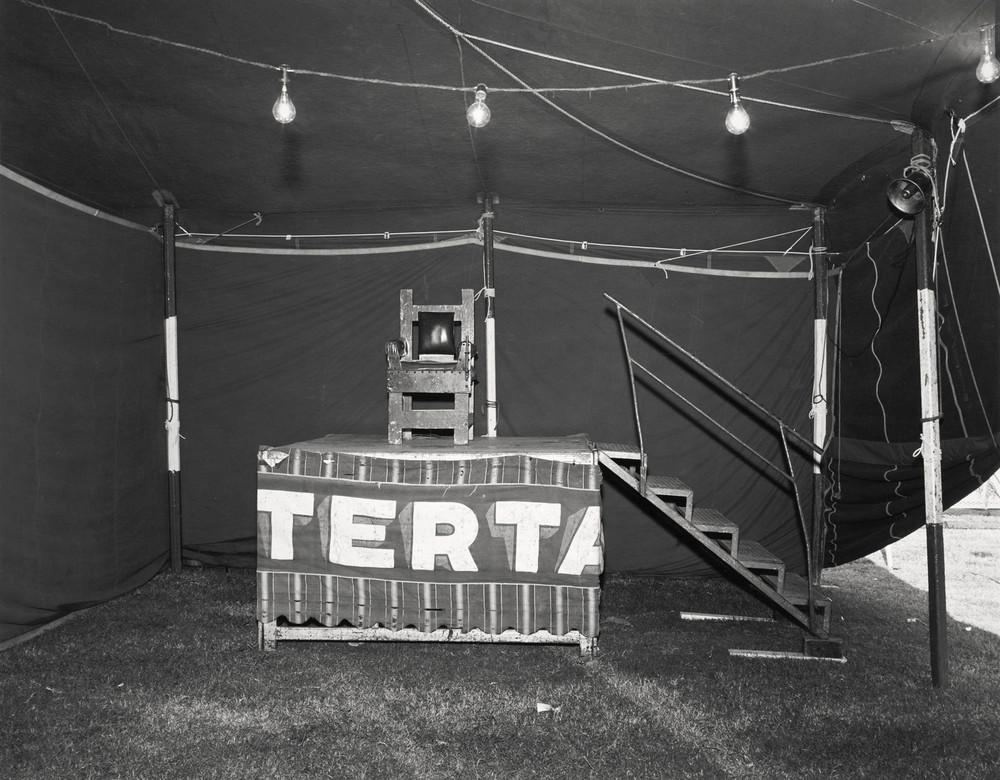 Американская история ужасов: реальные бродячие цирки в документальном фотопроекте Рэндала Левенсона 1971-81гг 29