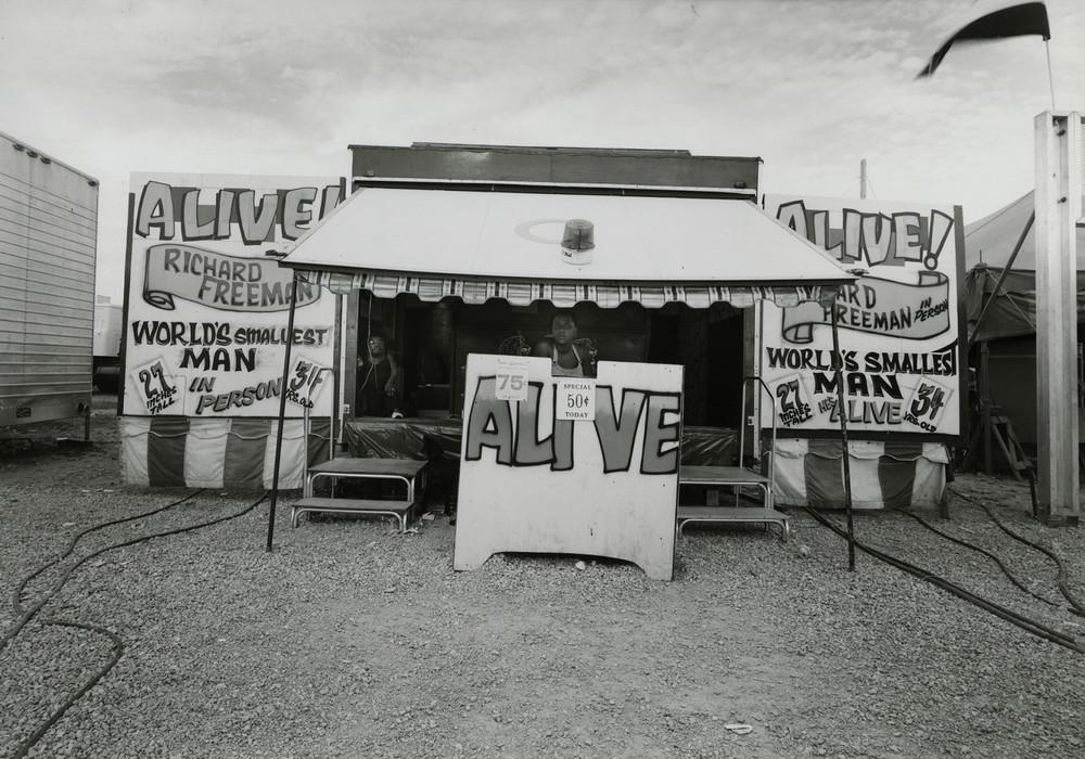 Американская история ужасов: реальные бродячие цирки в документальном фотопроекте Рэндала Левенсона 1971-81гг 8