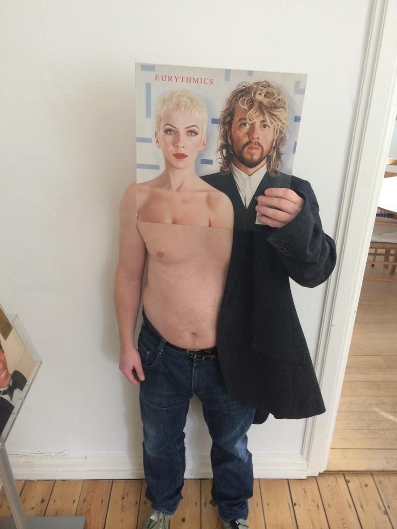 Люди с винилом – иллюзии и совпадения в проекте «Sleeveface» 29
