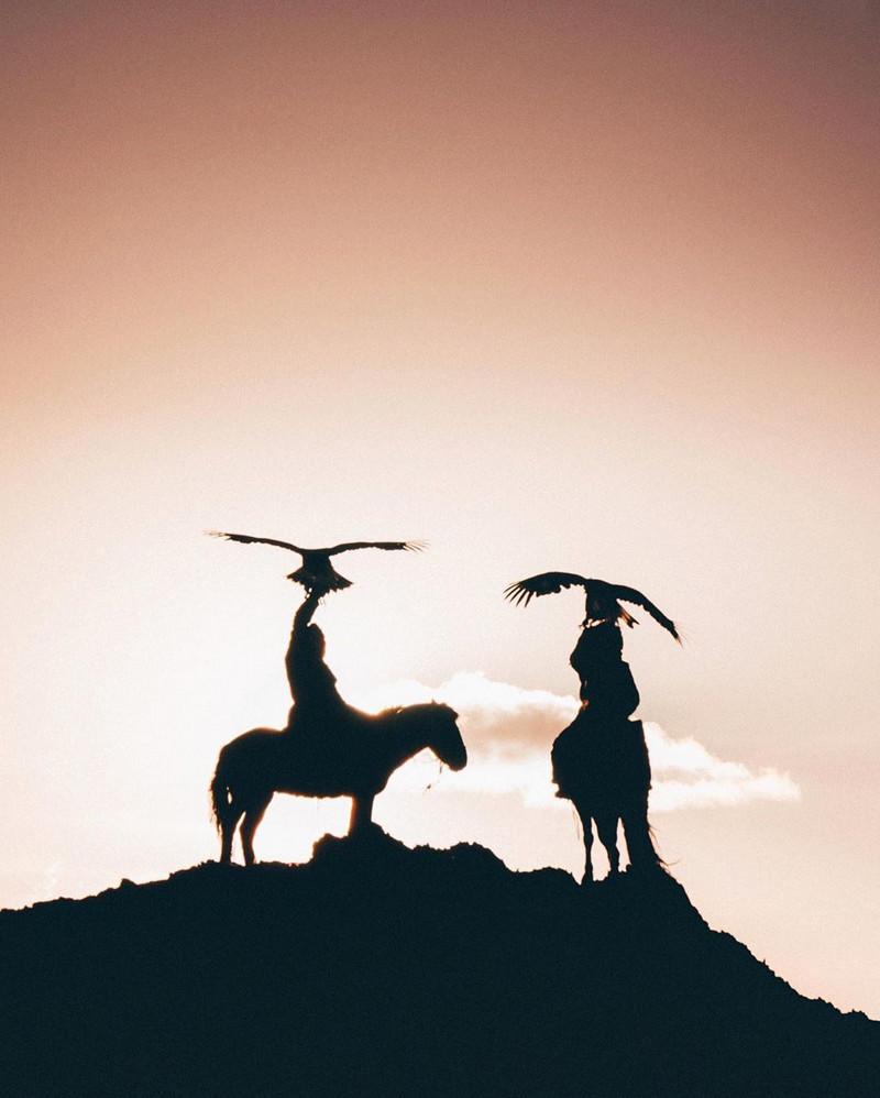Фотографии Лео Томаса: от портретов орлиной охотницы в Монголии до пейзажей Гренландии 13