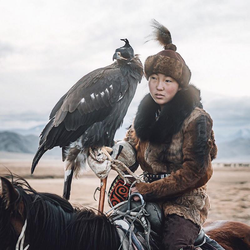 Фотографии Лео Томаса: от портретов орлиной охотницы в Монголии до пейзажей Гренландии 8