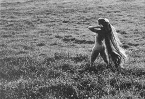 «Цветы среди цветов» Римантаса Дихавичюса – первые фотографии ню в СССР