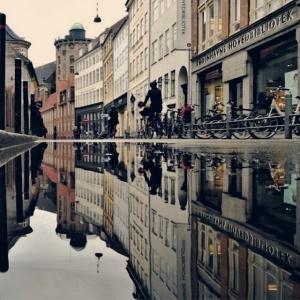 Отражения в лужах от Мортена Нордстрема (Morten Nordstrøm)