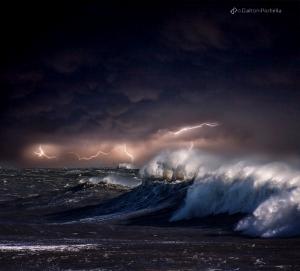 Штормящий океан в фотографиях Далтона Портелла