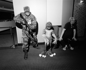 Съезды клоунов, сутенёров, Линкольнов и других необычных сообществ. Фотограф Иветт Мари Достатни