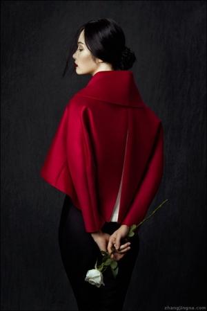 Красивые женские портреты от Чжан Джингна