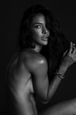Красивые девушки в фотографиях Джастина Генри