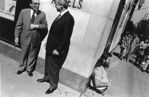 Нью-Йорк – город контрастов. Чёрно-белые плёночные фотографии Ричарда Сандлера (1980-е)